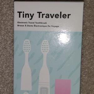 TINY TRAVELER Electronic Tooth Brush